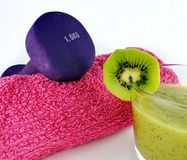 Вещество здоровья и фитнеса с плодоовощами и весами Стоковое фото RF