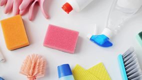 Вещество чистки на белизне сток-видео