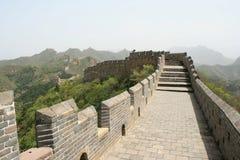 Великая Китайская Стена была построена в сельской местности в Китае Стоковое Изображение