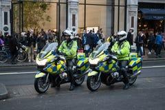 Великобританская полиция на мотоциклах в Лондоне Стоковые Изображения
