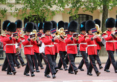 Великобританский ферзь защищает военный оркестр Стоковые Фотографии RF