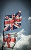 Великобританский флаг Юниона Джек дуя в ветре Стоковое Изображение