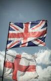 Великобританский флаг Юниона Джек дуя в ветре Стоковые Изображения