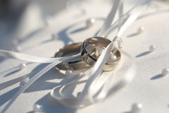 2 великолепных элегантных кольца Стоковая Фотография