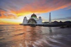 Величественная плавая мечеть Стоковая Фотография