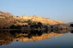 Величественный янтарный форт в Джайпуре, Индии стоковые фото