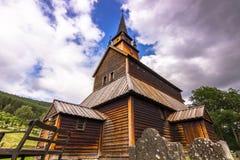 Величие Kaupanger ударяет церковь, Норвегию стоковое фото rf