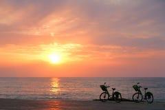 2 велосипеда на пляже Батуми Стоковые Фото