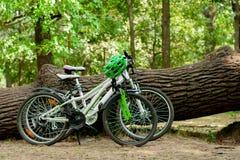 2 велосипеда outdoors Стоковое фото RF