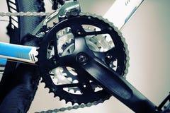 велосипед велосипед перспектива горы рук пущи фокуса поля глубины велосипедиста отмелая Стоковое Фото