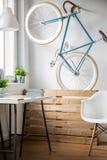 Велосипед в комнате Стоковое Изображение