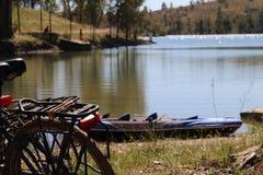 Велосипед в озере Стоковые Фотографии RF