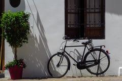 Велосипед в улице Стоковые Фотографии RF