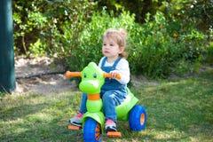 Велосипед девушки Стоковые Изображения RF