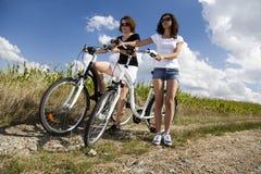 Велосипед женщины Стоковая Фотография