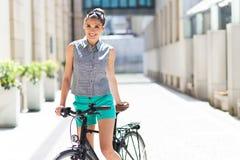 Велосипед женщины стоковое фото