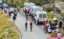 3 велосипедиста в горах - Тур-де-Франс 2015 Стоковое Изображение