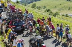 2 велосипедиста в горах Юры - Тур-де-Франс 2016 Стоковая Фотография RF