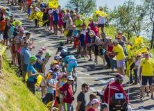 2 велосипедиста на грандиозном Коломбье - Тур-де-Франс 2016 Стоковые Изображения RF