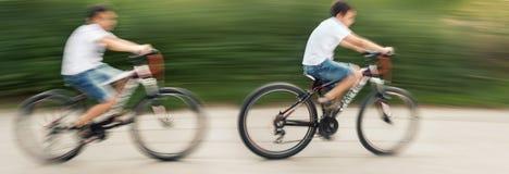 2 велосипедиста подростков Стоковые Изображения RF