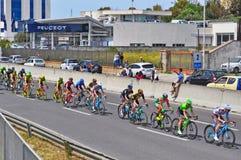 Велосипедисты различных команд стоковые изображения rf