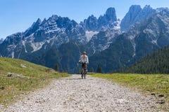Велосипедист горы Стоковое фото RF