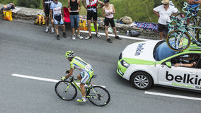 Велосипедист Джин-Марк Marino на Col de Peyresourde - путешествуйте de Fra стоковые фотографии rf