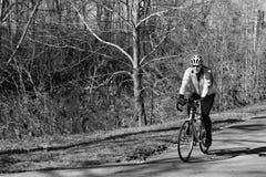 Велосипедист на Greenway реки Roanoke Стоковое фото RF
