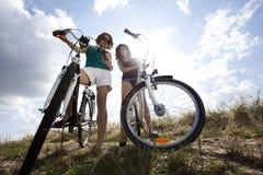 Велосипед катания женщины Стоковые Фото