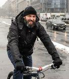 Велосипед катания человека Стоковые Фотографии RF