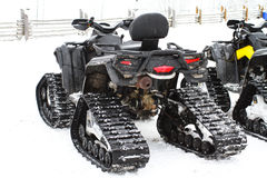 Велосипед квада на зима Колеса и следы ATV Стоковое Изображение