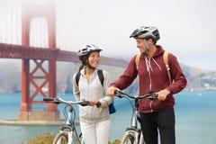 Велосипед мост золотого строба - пара sightseeing Стоковая Фотография
