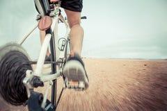 Велосипед на следе стоковое фото