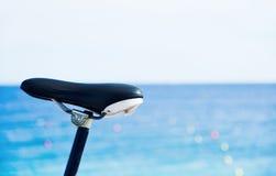 Велосипед перед морем Стоковые Изображения