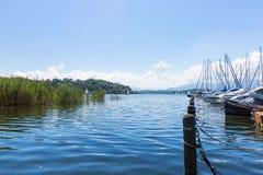Велосипед путь вокруг озера Chiemsee, Баварии, Германии Стоковая Фотография