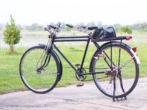 Велосипед ретро велосипед старый Стоковое фото RF