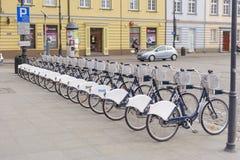 Велосипеды в строке стоковое изображение rf