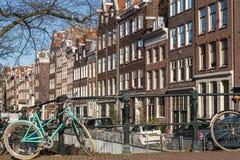 Велосипеды и здания Амстердам Стоковые Изображения