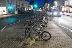 Велосипеды ночи стоковые изображения