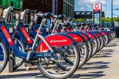 Велосипеды проката Сантандера стоковые фото