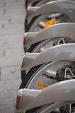 Велосипеды для ренты стоковые изображения