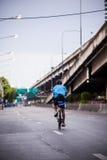 Велосипед для мамы в Таиланде 16-ое августа 2015 Стоковые Изображения RF