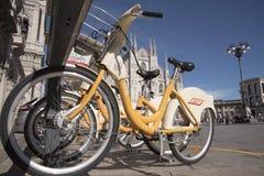 Велосипед scharing в милане Стоковое Фото
