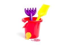 Ведро игрушки младенца и грабл лопаткоулавливателя Стоковое Изображение RF