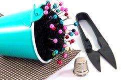Ведро подушки Pin с шить аксессуаром Стоковая Фотография RF