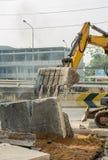 Ведро Backhoe на строительной площадке стоковые фотографии rf