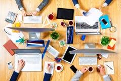 Взаимодействовать как команда для лучших результатов Мультимедиа Стоковые Изображения