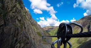 Взбираться в горах Стоковые Изображения RF