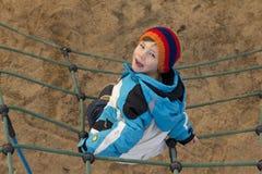 взбираться мальчика Стоковая Фотография RF