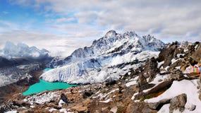 Взбираясь Гималаи экспедиции стоковые фотографии rf